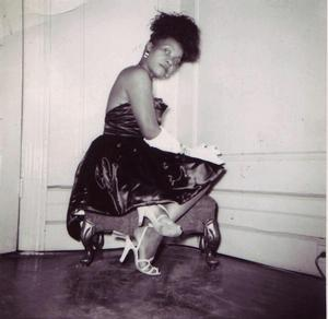 Mme Willi Posey, Harlem 1950. Photo: D'Laigle. Faith Ringgold collection