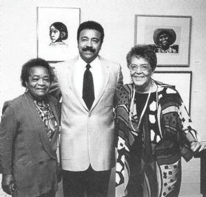 Elizabeth Catlett (right), Samella Lewis and Hampton University President William Harvey at Hampton University Museum, 1993. Photo: Rueben Burrell