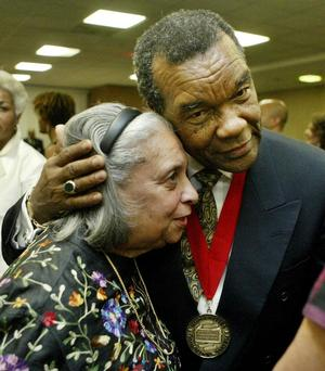 Artist EJ Montgomery and art historian/artist David Driskell at 2005 Colloquium. Photo: Sharon Farmer