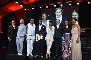 Soledad O'Brien, Russell Simons, Danny Simmons, Dave Chappelle, Wangechi Mutu, Simon de Pury, Ava DuVernay and Tangie Murray at Art For Life gala, July 18, 2015.