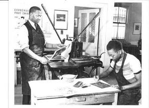 Dox Thrash (left) and Claude Clark at a WPA printmaking shop (WPA)