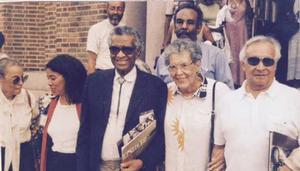 Elizabeth Catlett with (front row) Francisco Mora (right), John Biggers, Alvia Wardlaw and Hazel Biggers at Hampton University, 1998. Photo: HU Museum