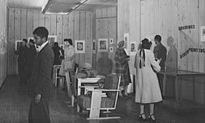 Art exhibition at the South Side Community Art Center, 1942. Photo: Jack Delano.  Library of Congress Prints & Photographs Division