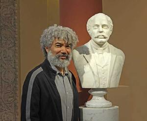 Fred Wilson with Edmonia Lewis's Bust of James Peck Thomas, 1874, R. T. Miller Jr. Fund, 2002.3.